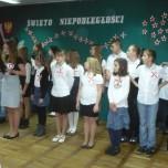 Apel z okazji Święta Niepodległości w naszej szkole (2)-1