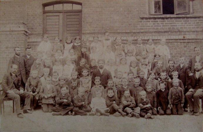 najstarsze zdjęcie szkoły