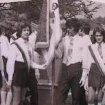 w 1974 ufundowano dla szkoły sztandar